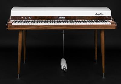 400-Walnut-Rhodes-VV1