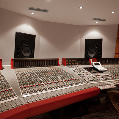 Amadeus custom designed Mains speakers featured in Paris' Studios de la Chine
